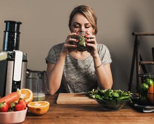 Abnehmen ohne Hunger: Auf den Körper hören!