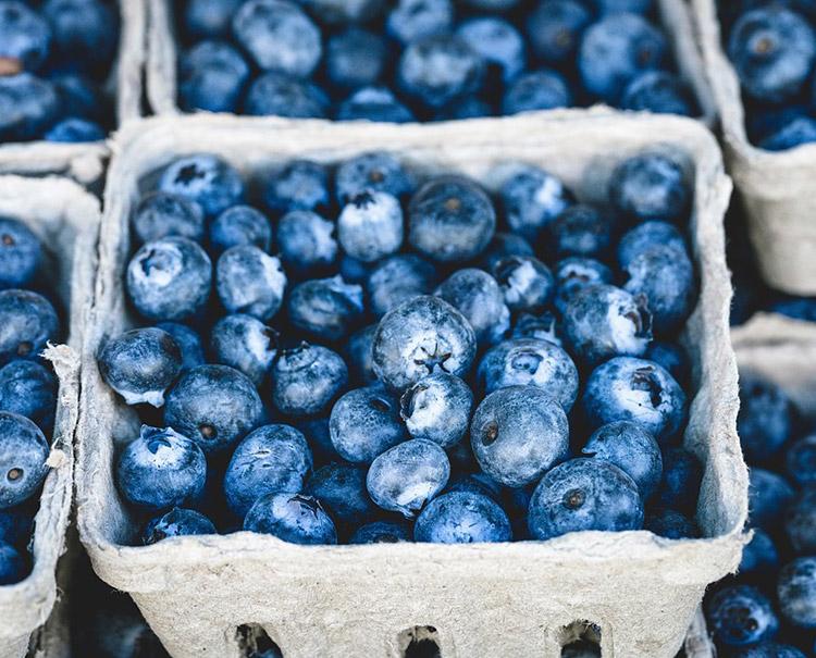 Arthrose Ernährung: Viel Obst und Gemüse, wenig Fleisch